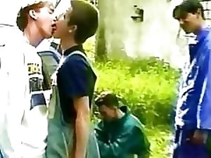 Fout twinks get boring during picnic and they start kissing before fucking